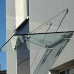 kleines Glasvordach der Serie Panther No. 1