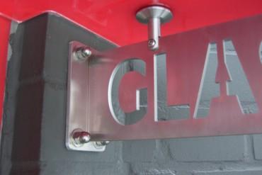 Adresse oder Logo im Vordachschwert