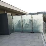 Sichtschutzzaun aus Glas für den Balkon