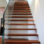 Treppengeländer mit Punktum Halter