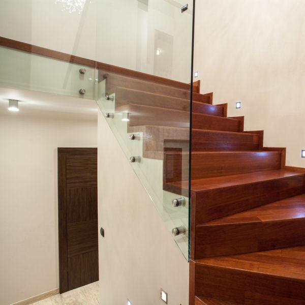 Treppenbrüstung treppenhaus panther glas