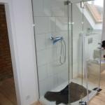 U-Form-Dusche mit 1 Tuer und 3 Festteilen
