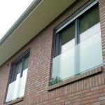 franz Balkon in die Fensterlaibung montiert