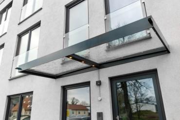 Glasdach Luis mit integrierter LED-Leiste