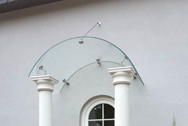 Glasvordach Swing mit gebogenem Glas