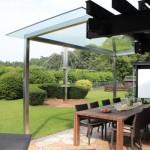Klarglas Überdachung sorgt dafür, dass die Terrasse sehr hell bleibt