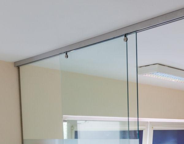 raumtrennwand mit schiebet r easy panther glas. Black Bedroom Furniture Sets. Home Design Ideas