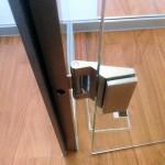 Glastrennwand mit Klarglas-Tür