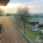 Glasbrüstung für den Balkon und die Dachterrasse