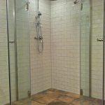 faltbare Dusche als Ecklösung