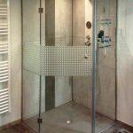 5-Eck-Dusche mit Blickschutzstreifen satiniert